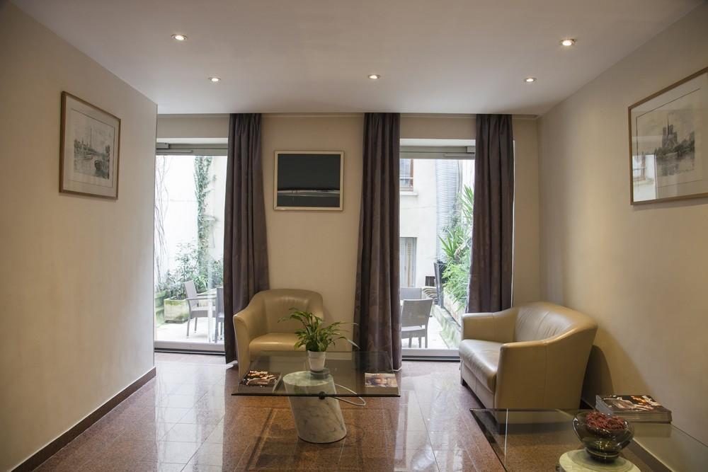 Отель Bac Saint Germain Париж