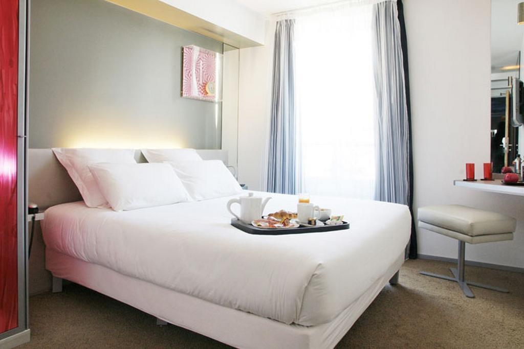 Отель Du Cadran Париж