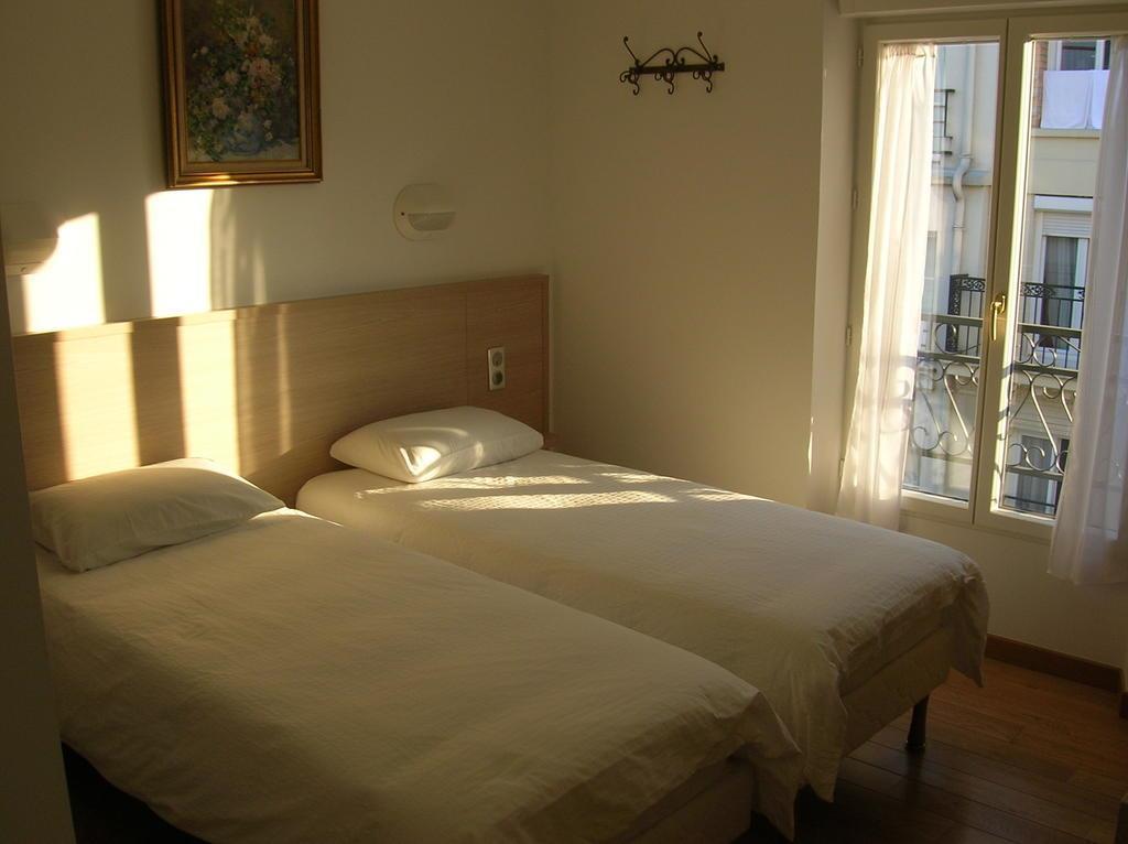 Отель Darcet Париж