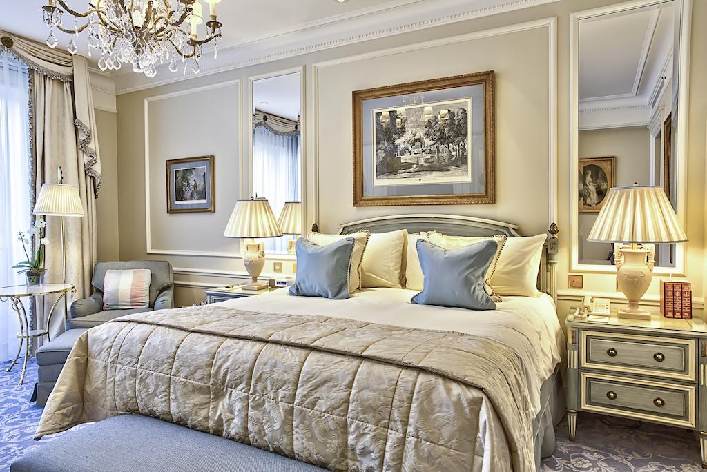 Фото Four Seasons Hotel George V Париж
