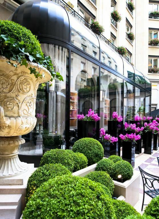 Отель Four Seasons Hotel George V Франция Париж