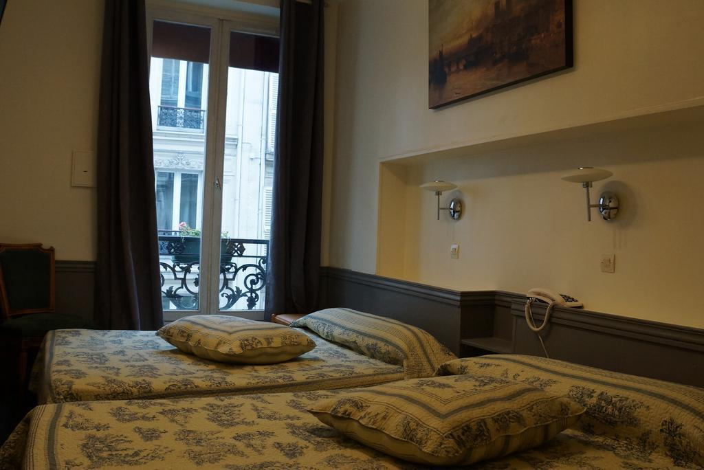Фото Apollo Франция Париж