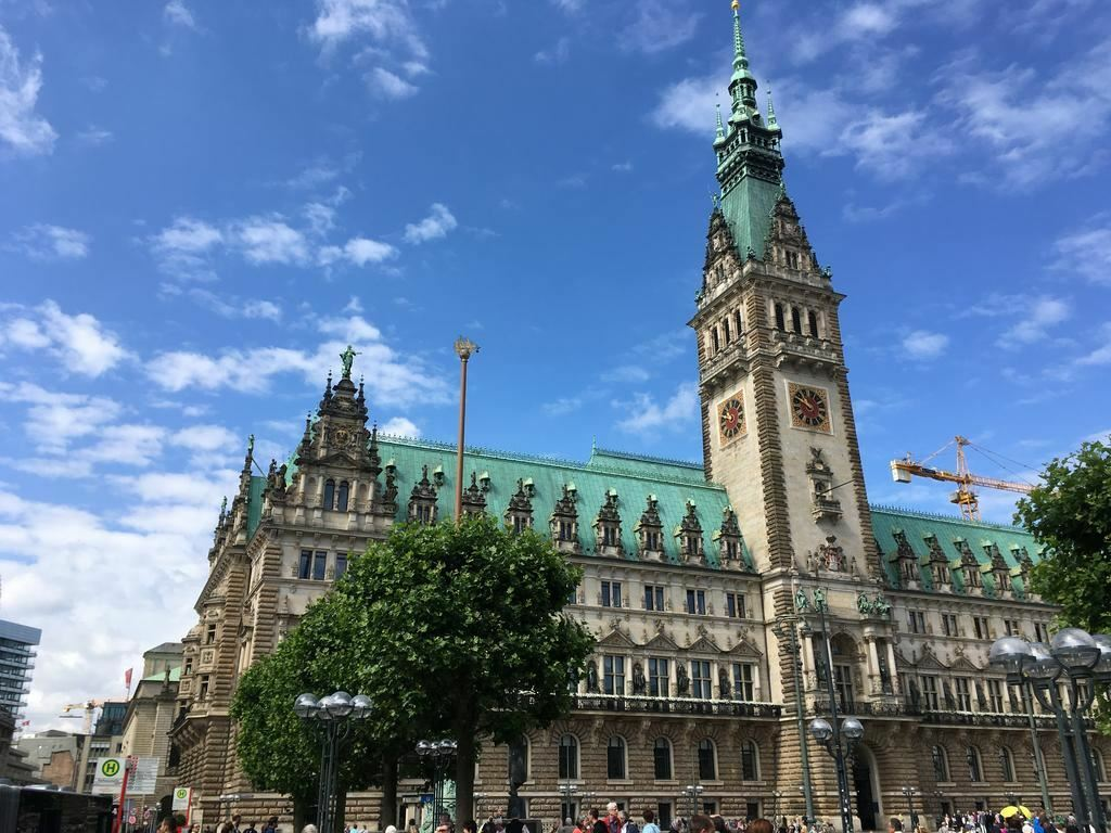 Lumen Am Hauptbahnhof Гамбург