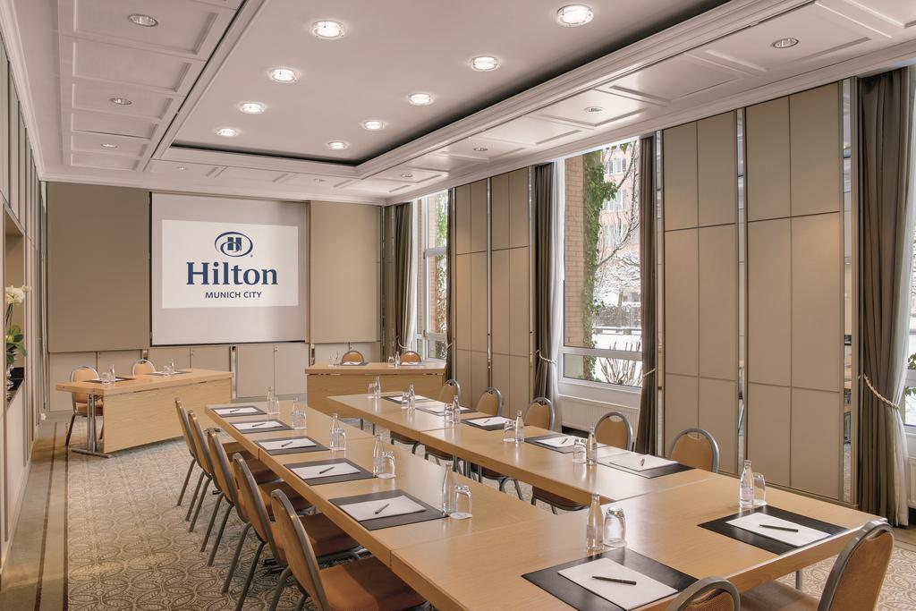 Фото Hilton Munich City 4*
