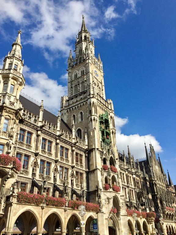 Фото Courtyard By Marriott Munich City Center 4*
