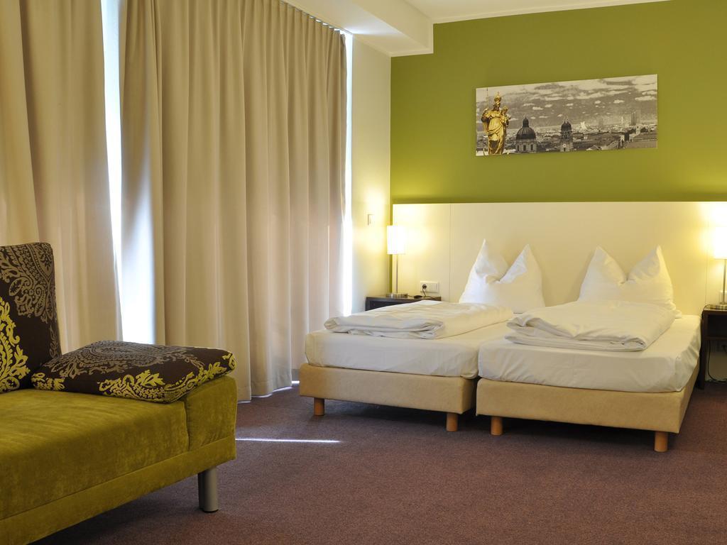 Отель Dolomit Мюнхен