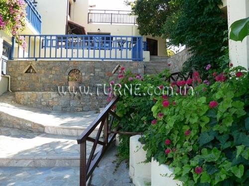 Elpida Hotel & Apartments