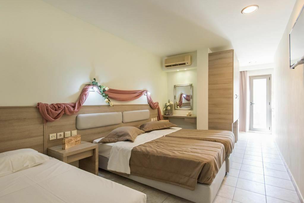 Фото Dionyssos Hotel Ираклион (о. Крит)
