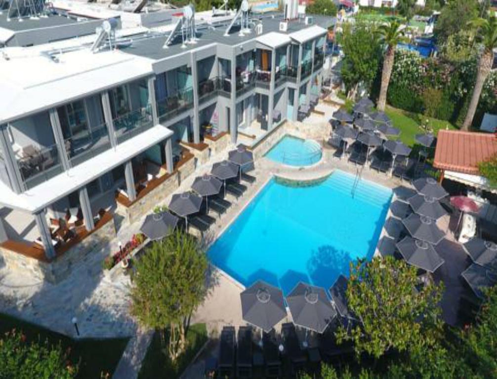 Отель Dionysos Inn Hotel Кассандра (Халкидики)