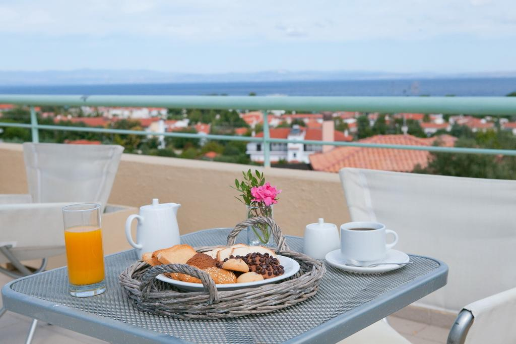 Отель Daphne Holiday Club Греция Кассандра (Халкидики)