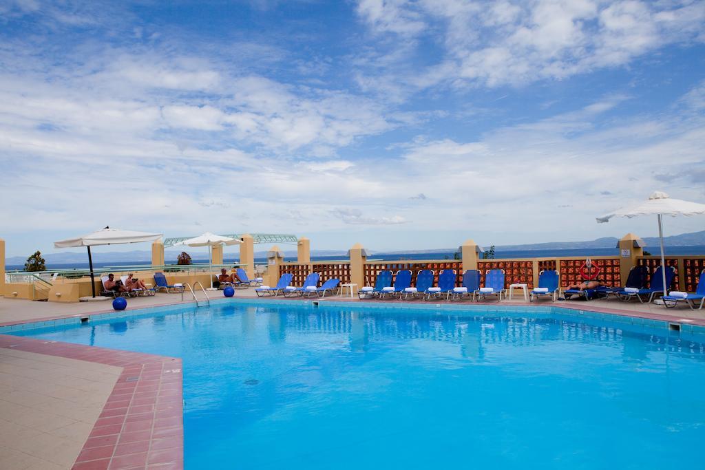 Фото Daphne Holiday Club Греция Кассандра (Халкидики)
