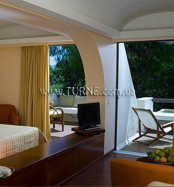 Esperides Villas & Suites