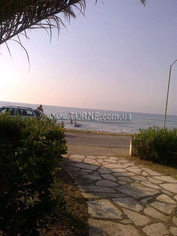 Фото Beach Front Salvanos Apartments