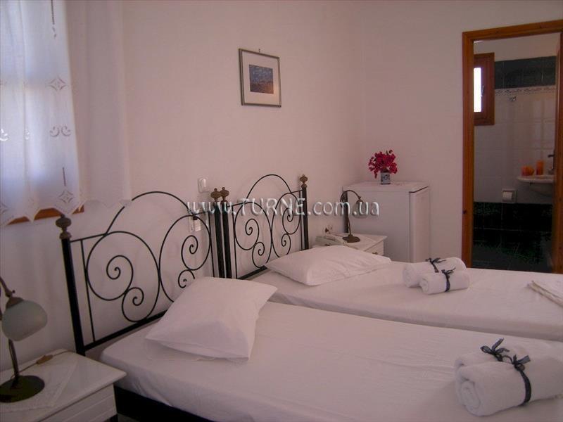 Фото Roussos Beach Hotel Греция о. Санторини