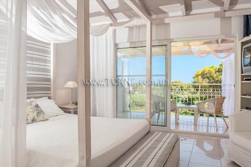 Фото Gerakas Belvedere Hotel & Luxury Suites о. Закинф