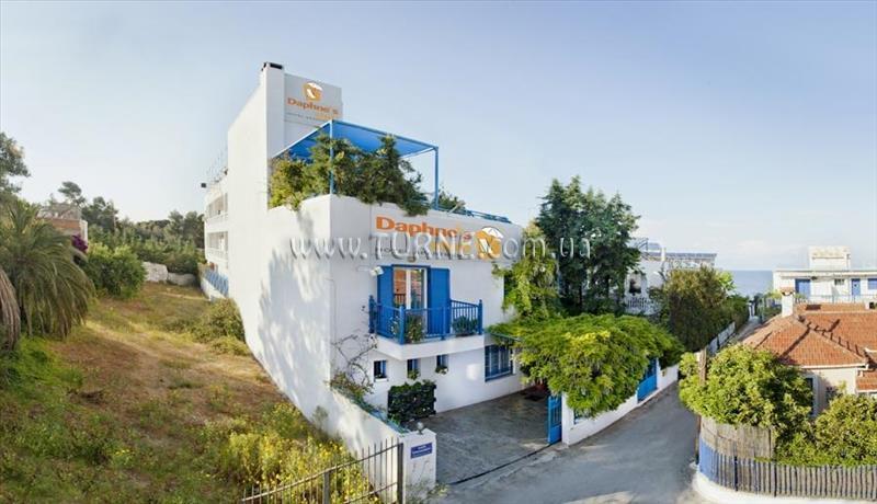 Daphnes Club Hotel Apartments Пелопоннес