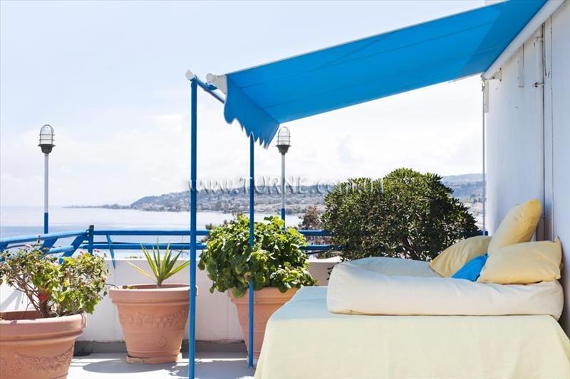 Отель Daphnes Club Hotel Apartments Пелопоннес