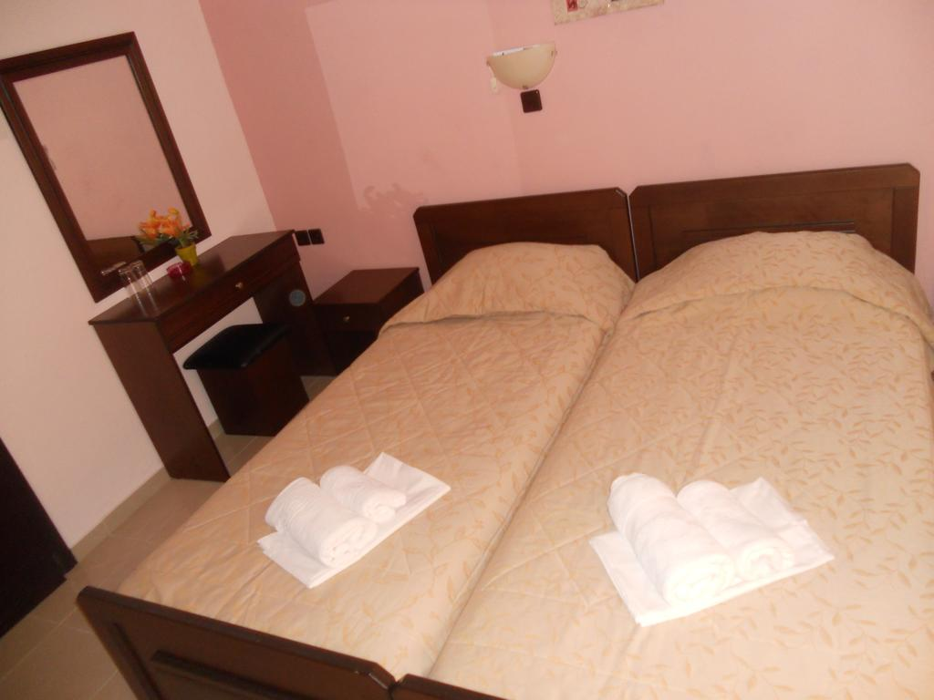 Фото Akrothalassia Hotel