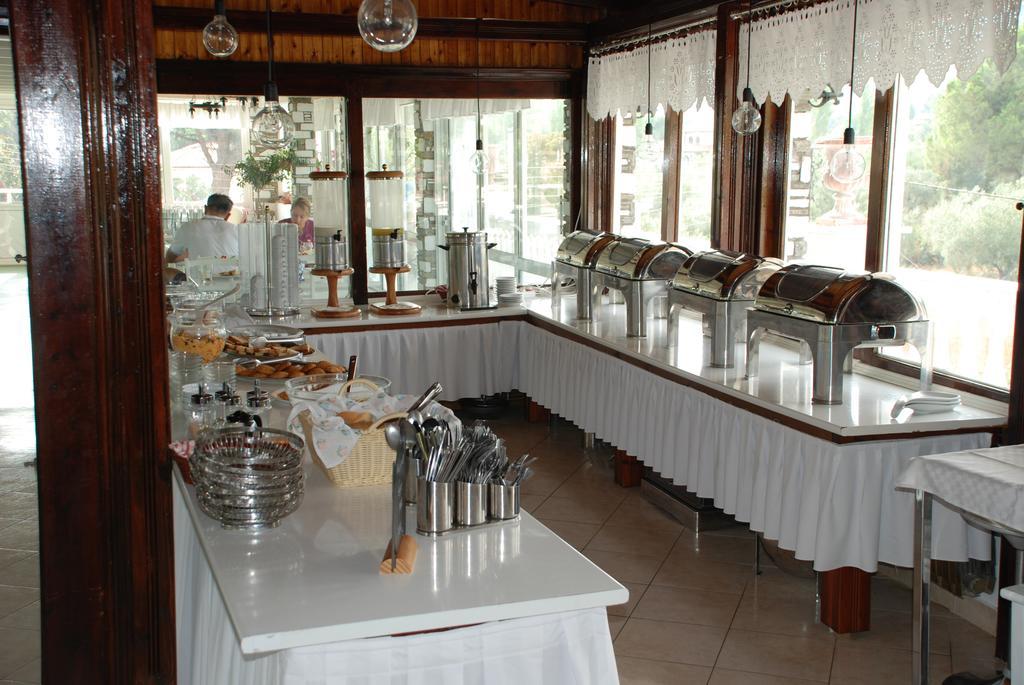 Отель Diaporos Hotel Ситония (Халкидики)