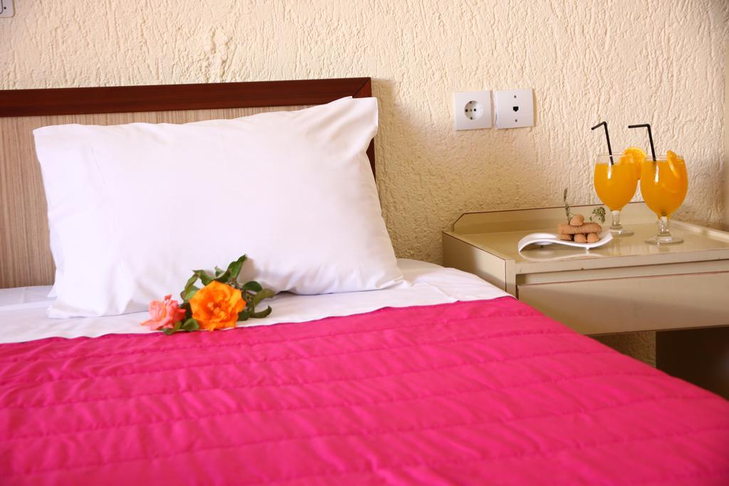 Отель Triton Hotel Ираклион (о. Крит)
