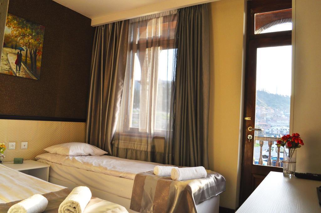 Tiflis Metekhi Hotel Грузия Тбилиси