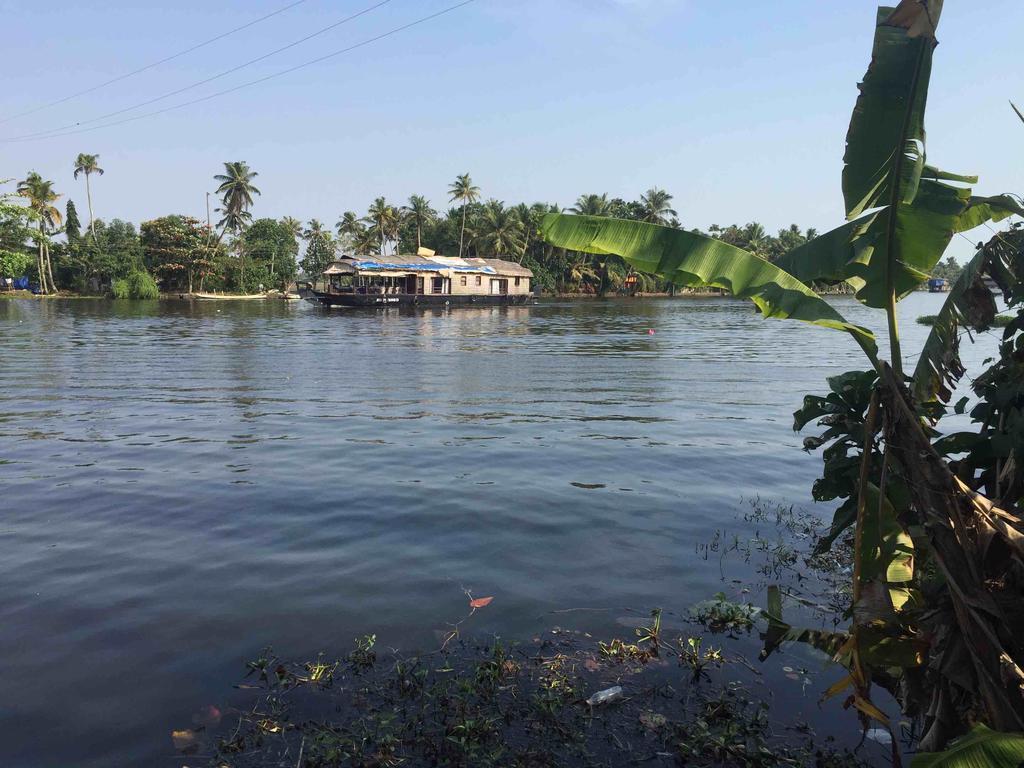 Отель Deshadan Back Water Muhamma Индия Аллеппи