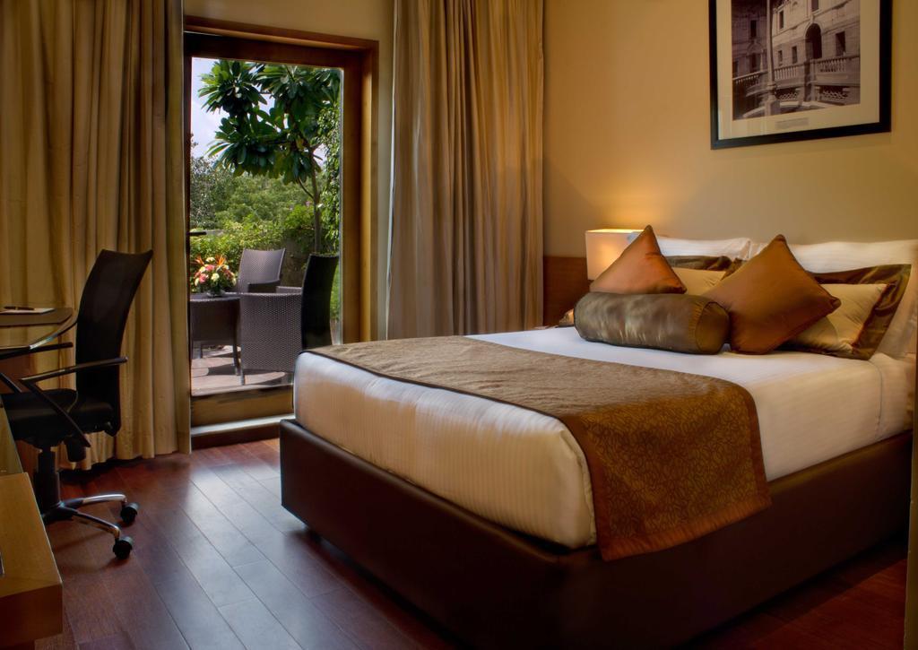 Фото The Radisson Blu Marina Hotel 4*