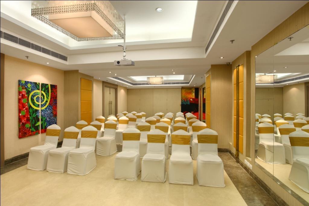 Отель The Ashtan Sarovar Portico Индия Дели