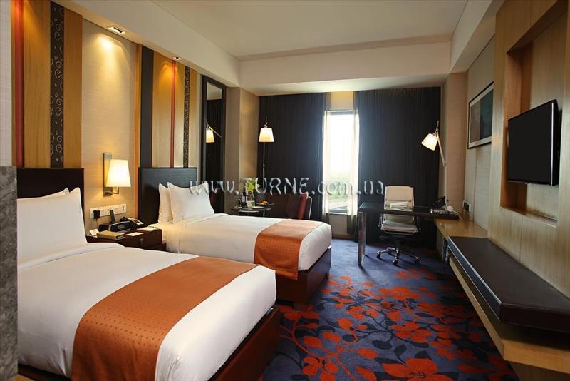 Фото Holiday Inn, Mayur Vihar 4*
