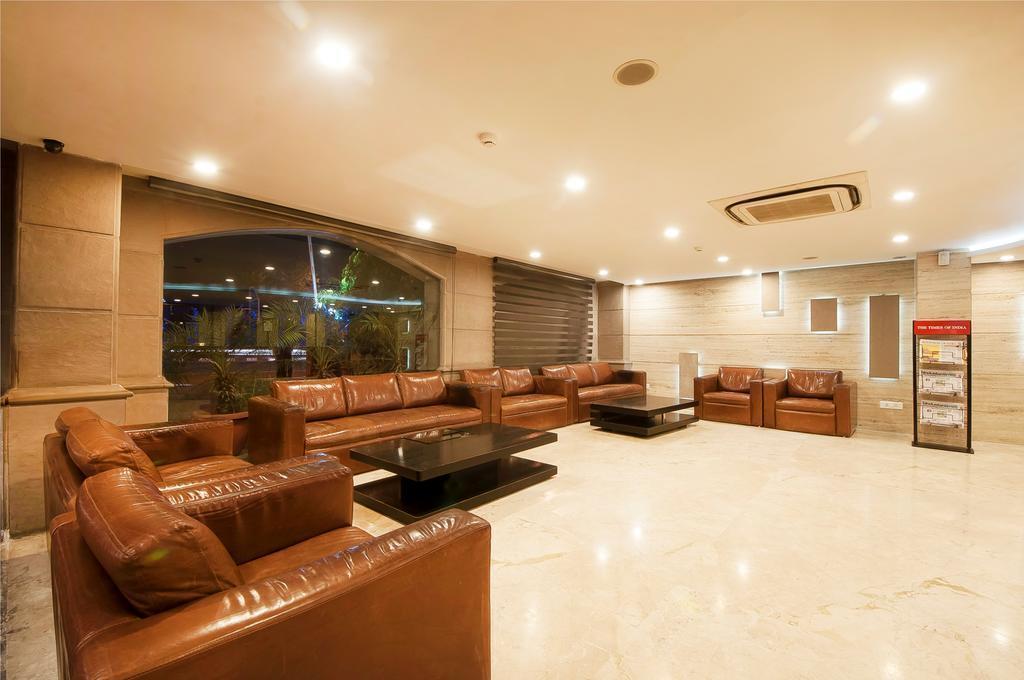 Фото Hotel Regent Grand Patel Nagar 4*