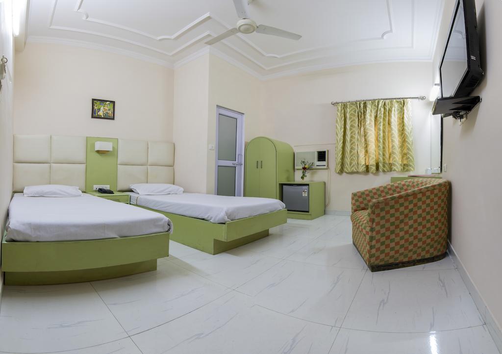 Фото Hotel Kwality 2*
