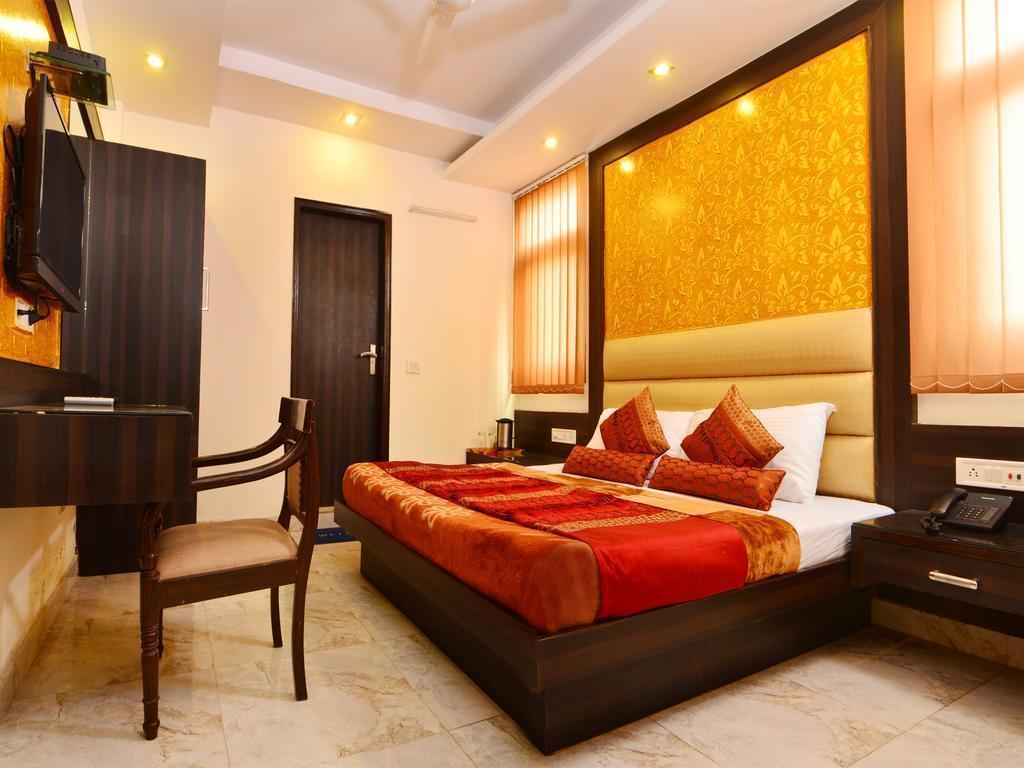 Фото Hotel Srivinayak 3*