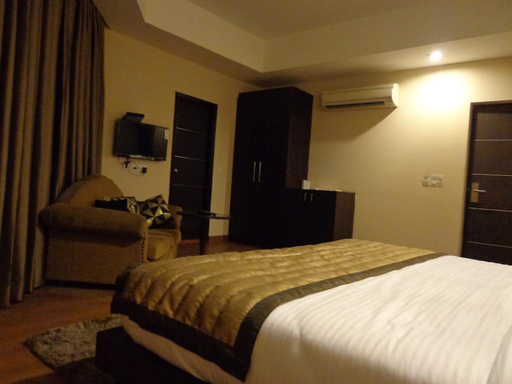 Фото Hotel Aura @ Airport 3*