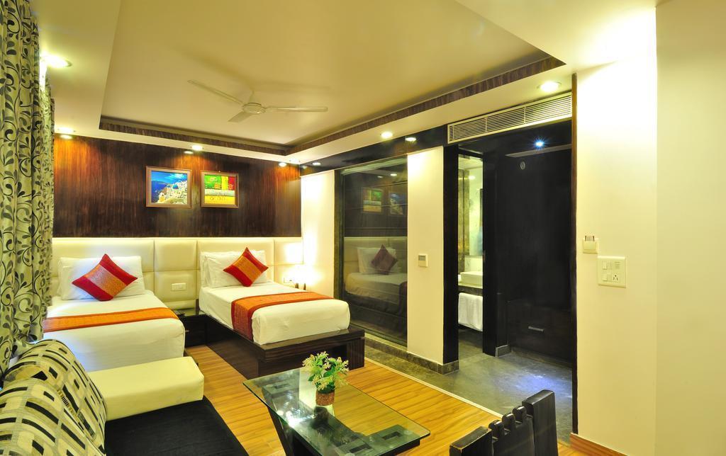 Фото Hotel Elegance 3*