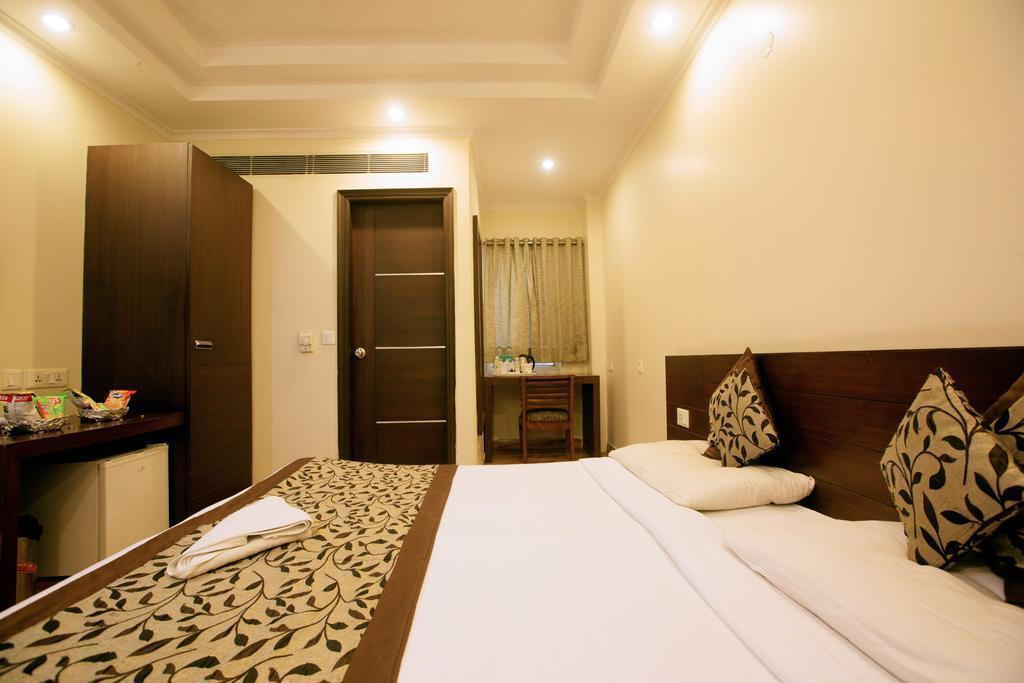 Фото The Pearl - A Royal Residency 2*