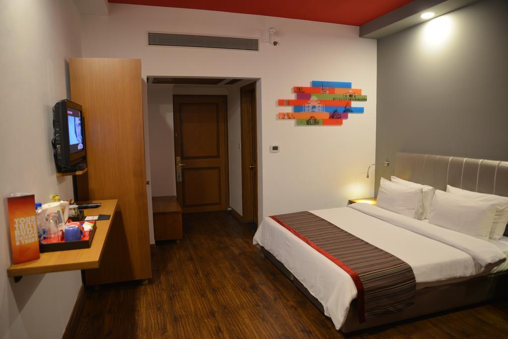 Отель Vikram Дели