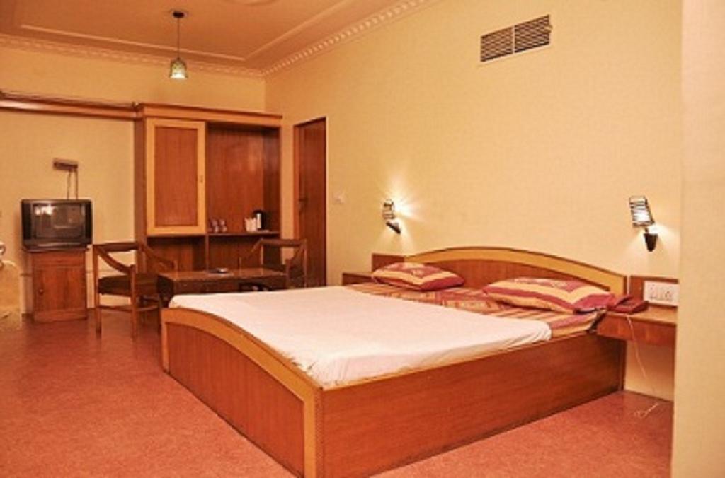 Фото Hotel Savoy 2*