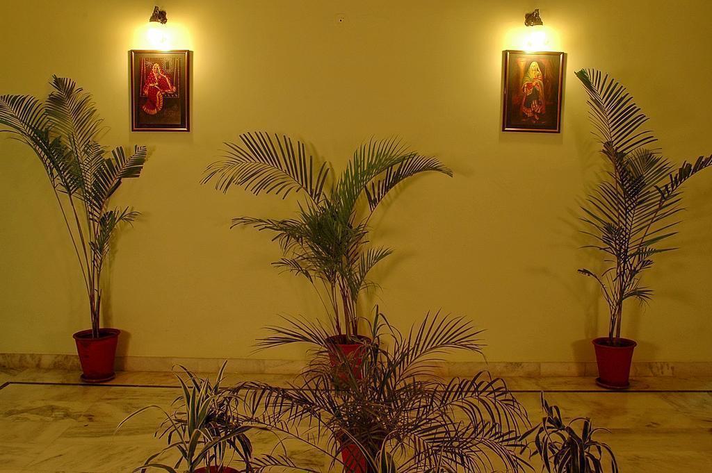Фото Sarang Palace 3*