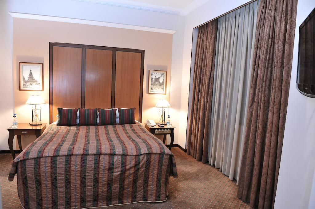 Отель Park Kolkata Индия Калькутта
