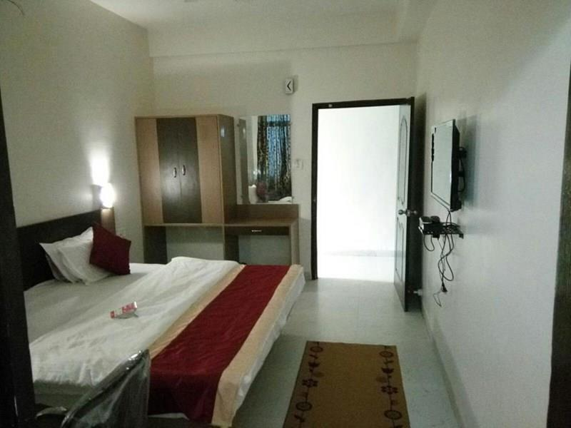Фото Taha White Pearls Guest House Индия