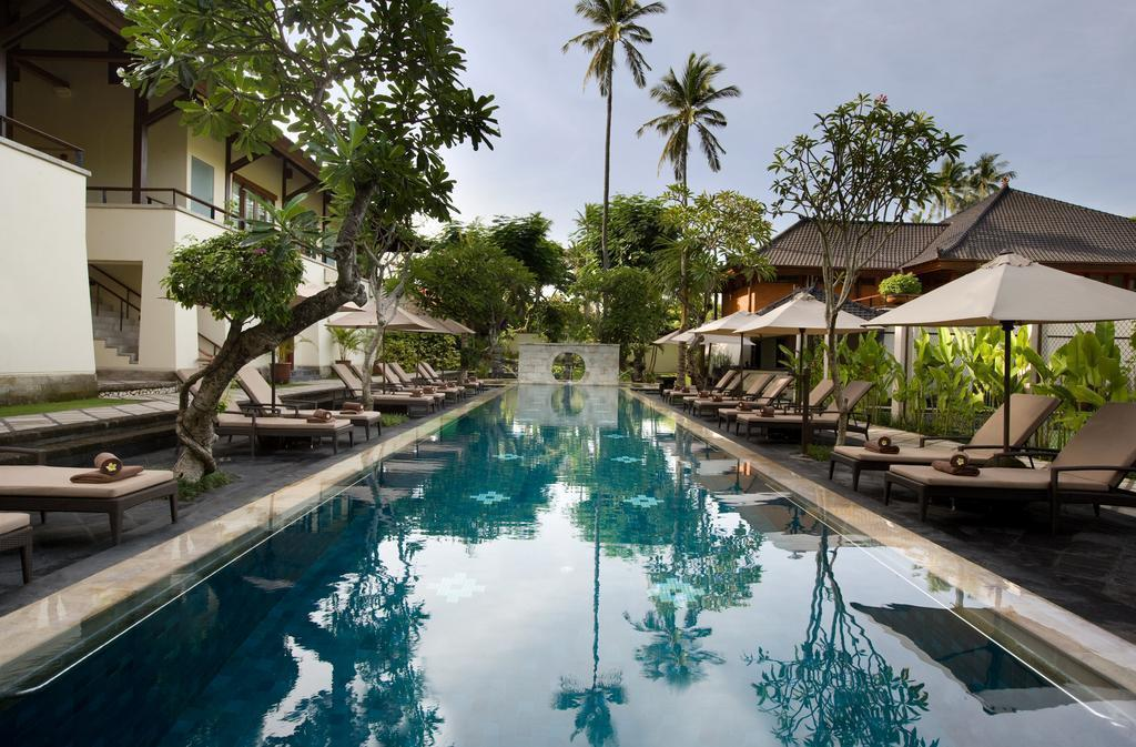 Фото Nusa Dua Beach Hotel & Spa Индонезия