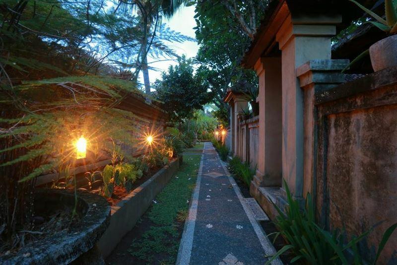 Фото Warsa'S Garden Bungalows And Spa Индонезия остров Бали