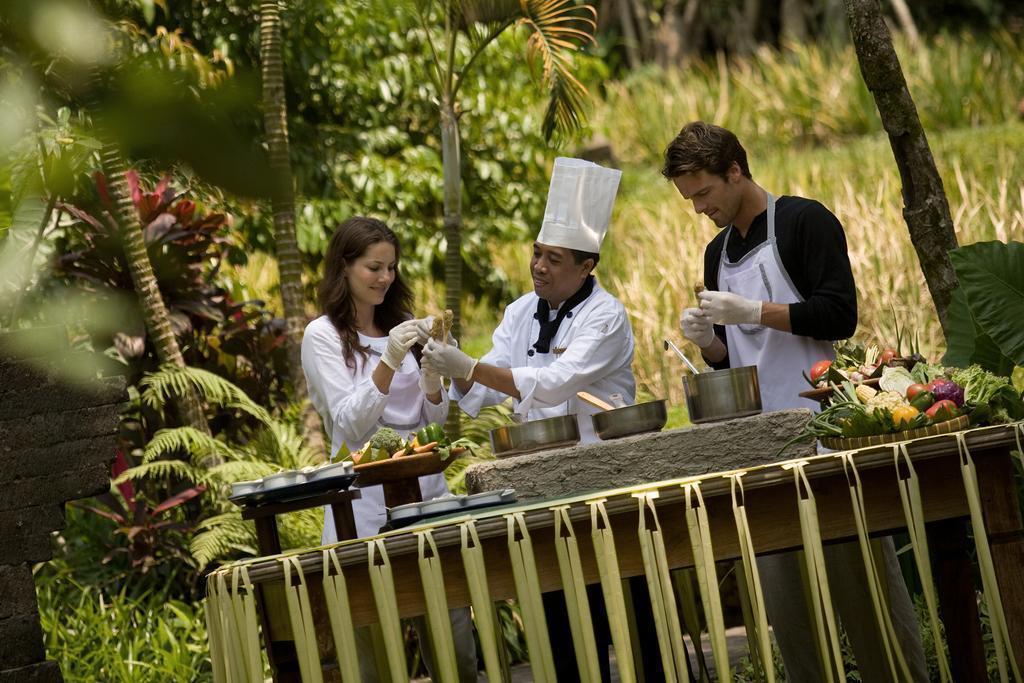 Фото Kamandalu Resort & Spa Индонезия
