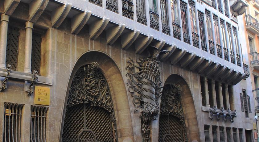 Отель Roma Reial Барселона