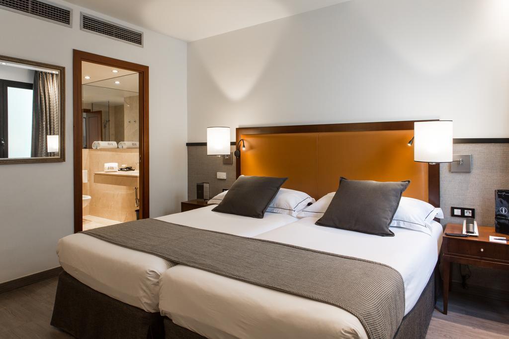 Фото Hotel Balmoral 4*