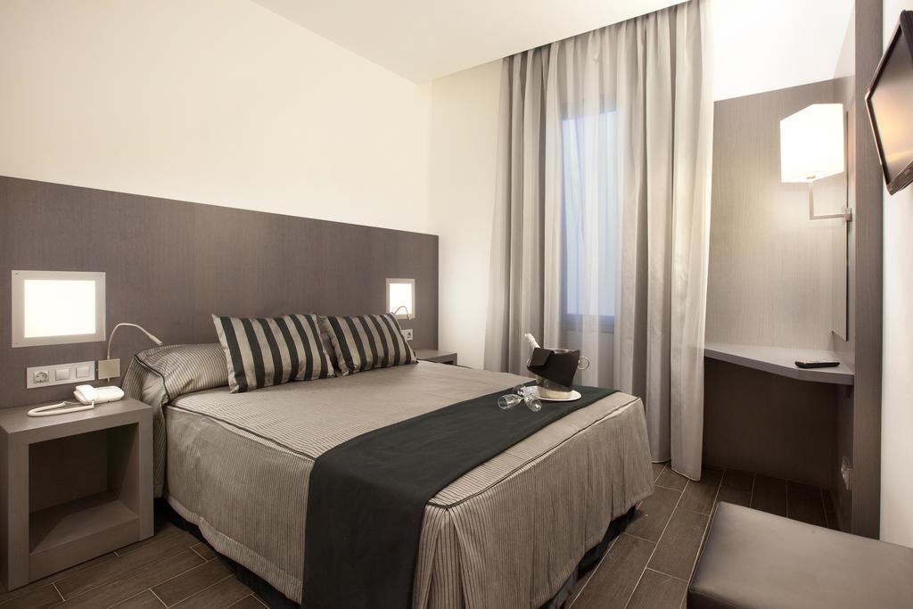 Отель Dalia Ramblas Барселона