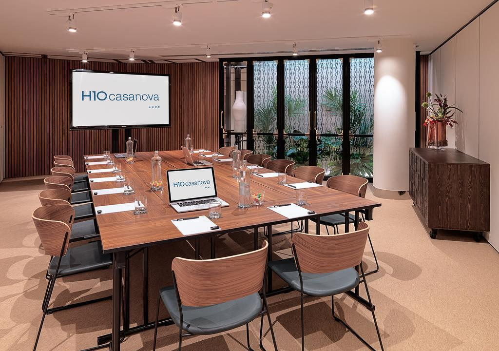 Отель H10 Casanova Барселона