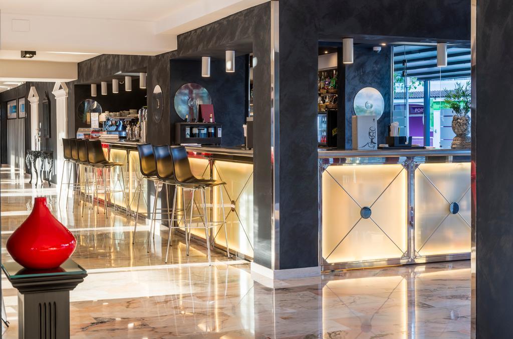 Фото Salles Hotels Marina Portals Испания