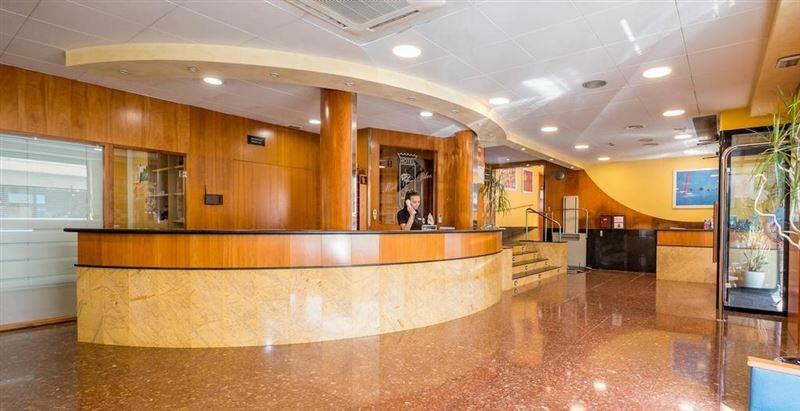 Отель Hotel Checkin Montpalau Испания Пинеда де Мар
