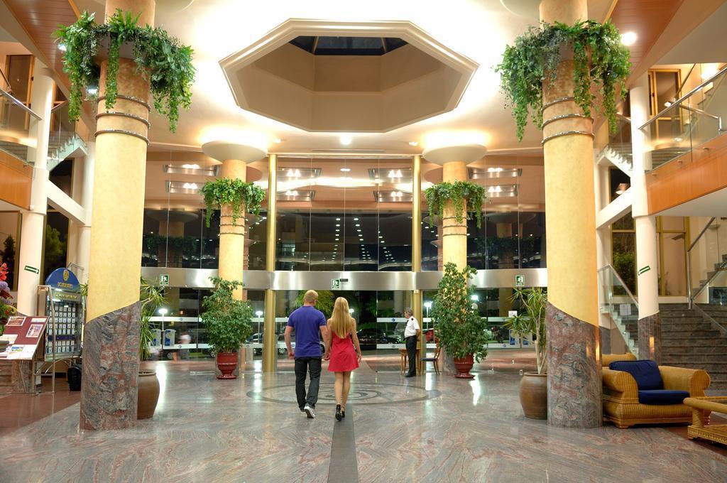 Отель Dorada Palace Салоу